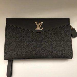 Louis Vuitton classic pochette bag